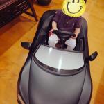 田丸麻紀さん息子くん初ドライブは納車された>>新車![Audi/アウディR8スパイダー]