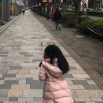 海老蔵さん長女、麗禾さん愛用ピンクのダウンコートが可愛い>>