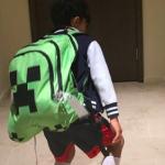 梨花ちゃん息子くんのグリーンのカバンは『クリーパー/リュックサック/バックパック』マインクラフトのキャラが可愛い!
