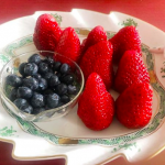 市川海老蔵さんちの食器が素敵!フルーツ皿/マグカップ>>麻央さんのセンスが輝いてますねー。