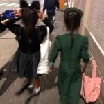 東原亜希さん双子女子ハロウィン仮装コスチュームがマニアック!ディズニーホーンテッドマンションと黒猫??
