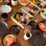 芸能人宅のお正月おせち料理>>辺見えみりサンが選ぶお正月飾り「木製鏡餅」と重箱がオシャレ!